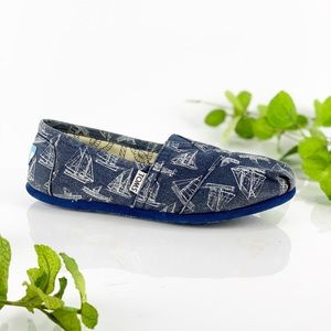 Toms Slip On Navy Canvas White Boats Nautical Flat